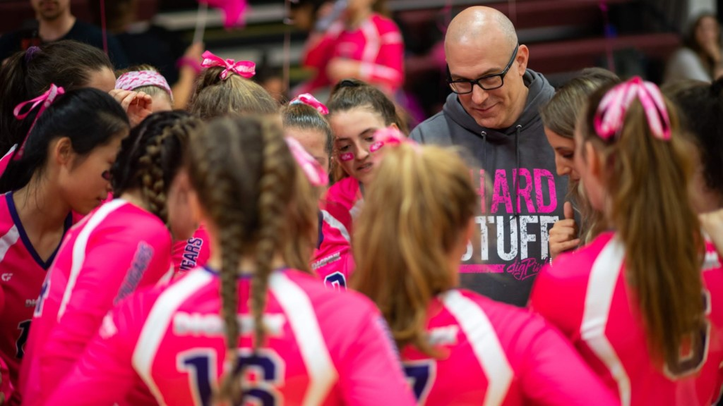Rick Dunetz coaching his team at Dig Pink in VA
