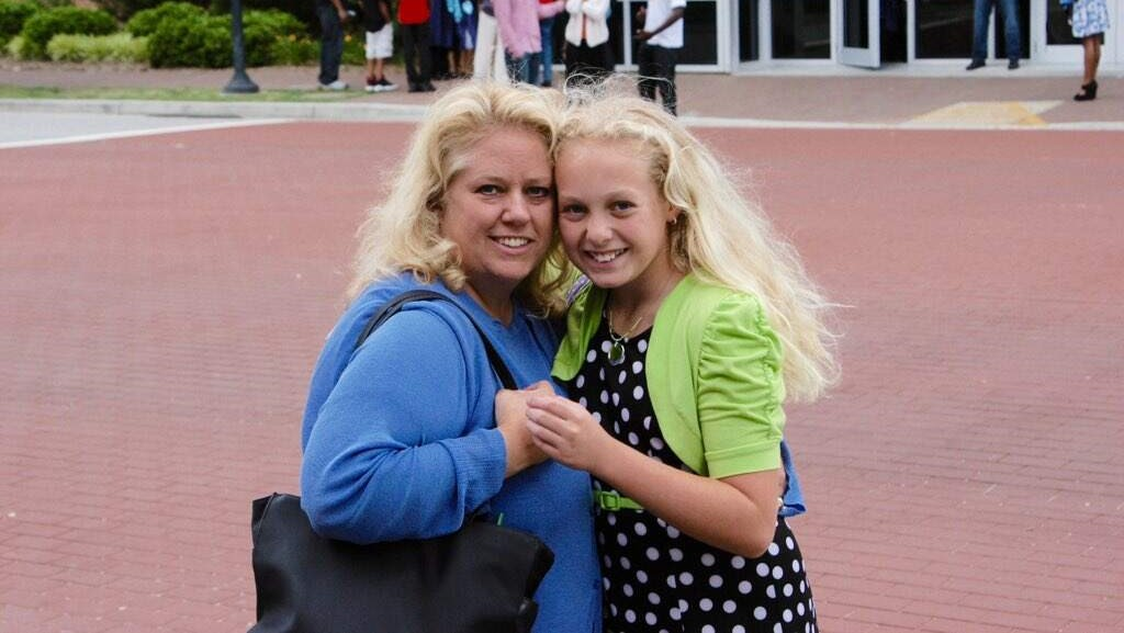 Maddie Bonifas with her mom.
